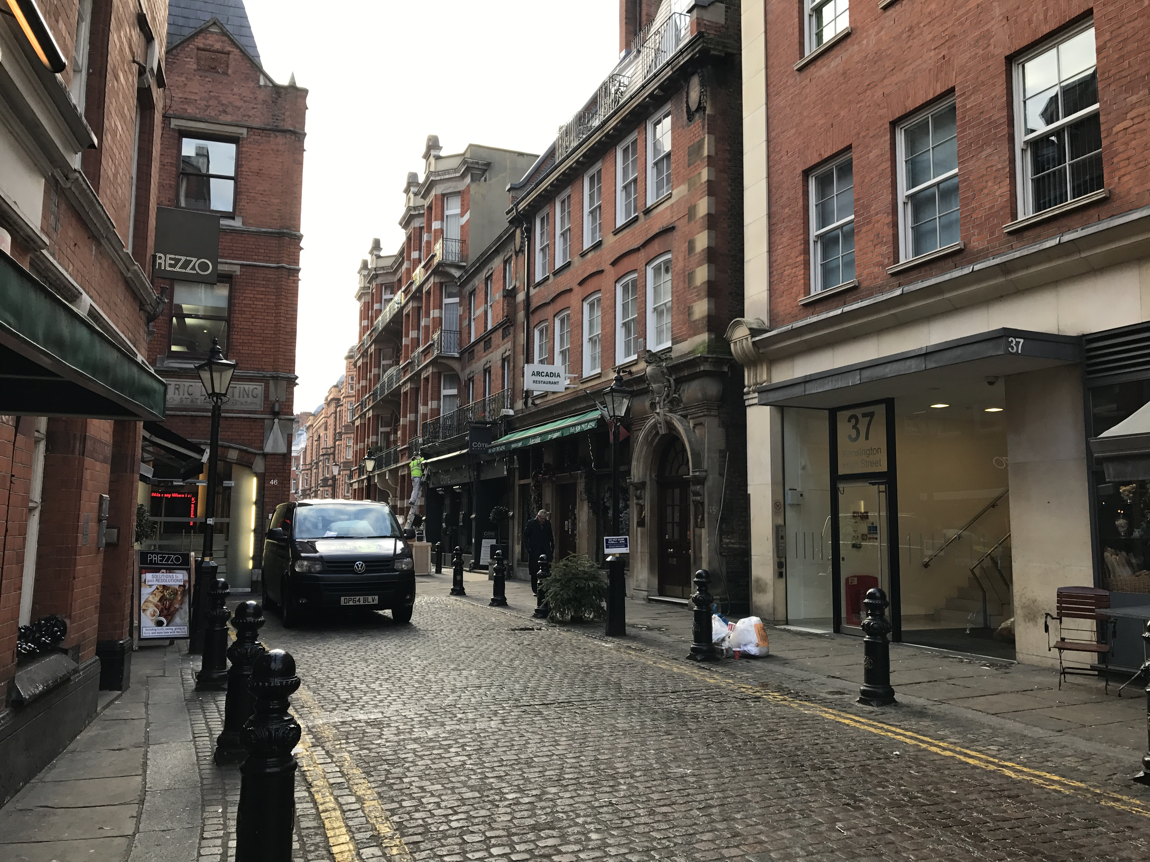 8b Passageway with Cote Brasserie linking kensington high street to NW corner of Kensington Court.JPG